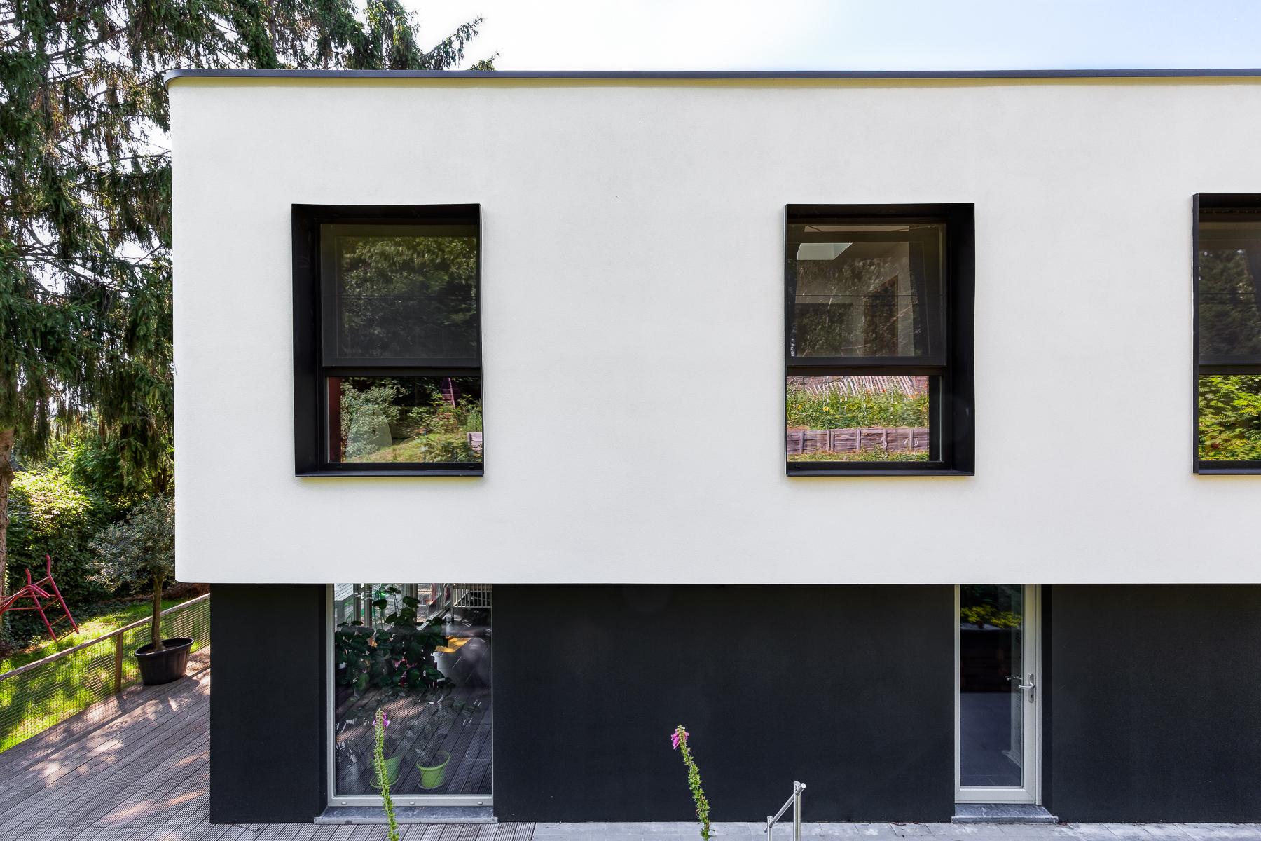 extension façade enduit cadre métallique